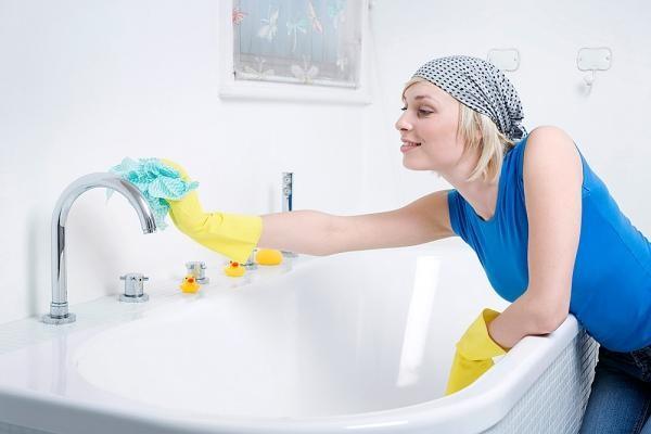 Для профилактики появления тараканов, нужно чаще проводить уборку в доме