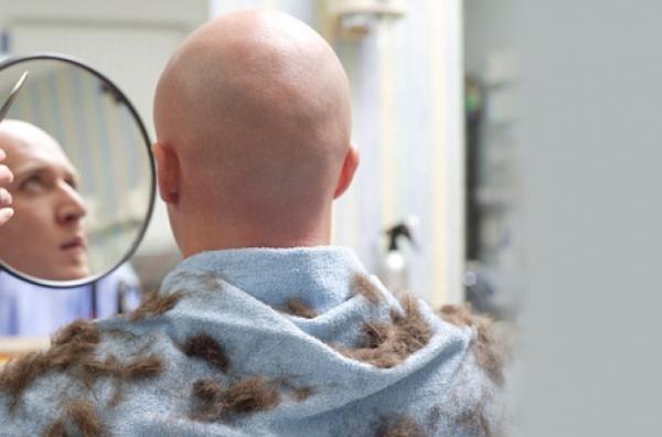 Стрижка наголо - радикальный и эффективный способ избавления от головной вши