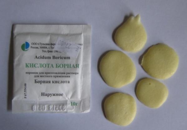 Лепешки с борной кислотой