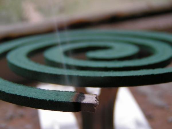 Спираль может тлеть до 7 часов, лучше применять на отрытом воздухе